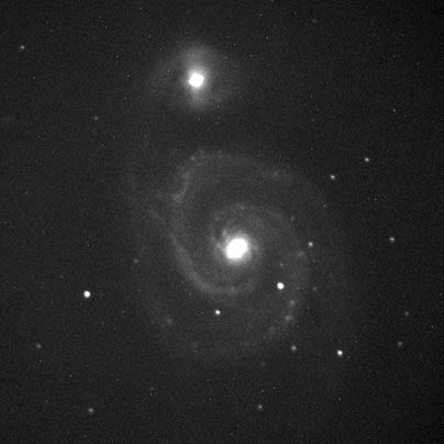 Spirální galaxie M51 ve filtru R snímaná 90 s.