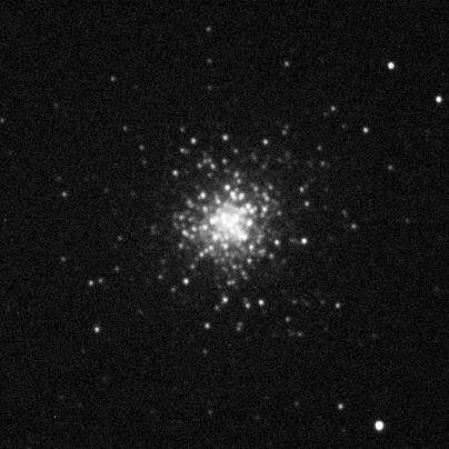 Kulová hvězdokupa M2 nasnímaná 10s expozicí ve filtru R.