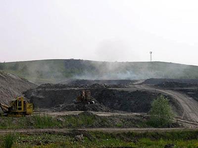 Těžba v sádrovcovém lomu v Kobeřicích. Zdroj: www.panoramio.com