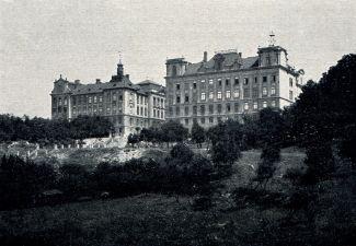 Sídlo Státního ústavu meteorologického v roce 1920 (budova Karlovy Univerzity na Karlově)